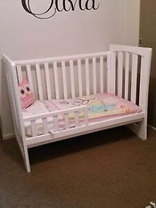 Kids cot and day bed 2 in 1 Idalia Townsville City Preview