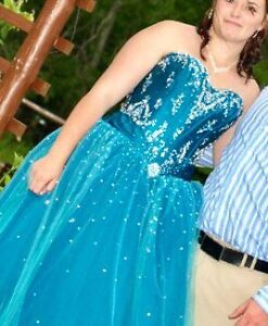 Make an offer want gone !Beautiful teal prom dress