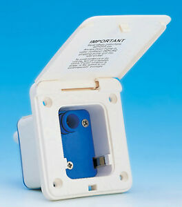 WHALE ES5001 Water Inlet Socket with Integrated Pressure Switch  -  WHITE