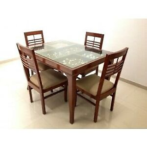 Dining Room Table and 6 Chairs - Must Go!
