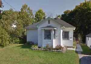 117 Queen St. Ingersoll Sun 29 May 11am to 1pm / 2pm to 4pm