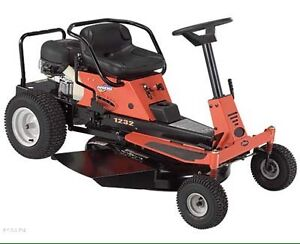 2004 Gravely ZT 1232 riding lawn mower