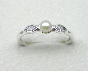 BRAND New Pandora Ring - Size 54 or 7