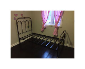 NEW Antique Style Iron Bed - Twin/Single