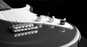 """Guitare usagée """"Line 6 - Variax 300"""" ( électrique / acoustique )"""