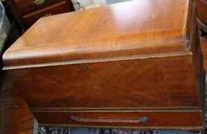 Heirloom chest coffre antique