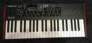 DSI Mopho X4 Synth