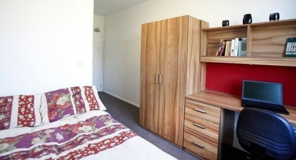 En-suite room to rent in 8-bed student flat (£134 per week)
