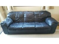 Sofas 2 matching 3 seaters