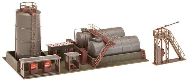 Faller HO 120157 Öllager mit Dieseltankstelle und Ölkran Bausatz Neuware