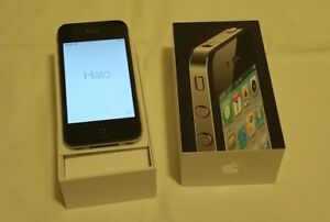 IPHONE 4 comes + accessories as shown in photos for $80