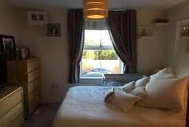 Beautiful, Modern 2 double bedroom flat for rent in Reigate, 2 minutes from the station