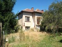Old rural house with plot of land situated in the outskirts of a village Vratsa in Bulgaria