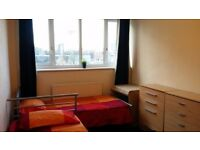 Twin room in Canary wharf/westferry at 20 min to Oxford Circus by metro