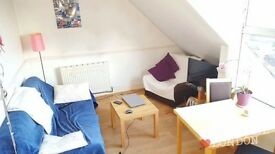 **TOP FLOOR - 2 BEDROOM - LOFT STYLE - FULLY FURNISHED - SEPARATE KITCHEN**