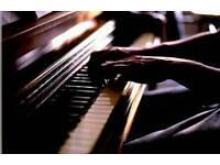 Bar pianist looking for place