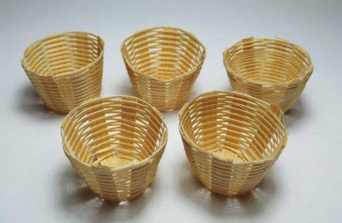 How To Weave A Mini Basket : Crafts miniature baskets