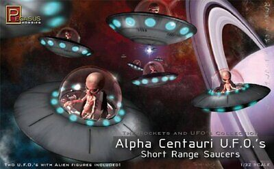 Pegasus Alpha Centauri UFOs Alien Flying Saucer Space Ships 1/32 scale model NEW (Spaceships Models)