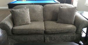 Grey Couch & Loveseat Set Oakville / Halton Region Toronto (GTA) image 1