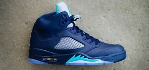 Selling my Jordan retro 5 hornets DS
