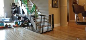 Kidco baby gate / barrière - wood stoves, fireplaces, stairs