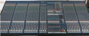 40 input Mixing Console