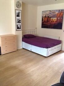 Newly refurbished double room available to let near Stratford Station