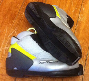 Youth Fischer Size 36 Cross Country Ski Boots