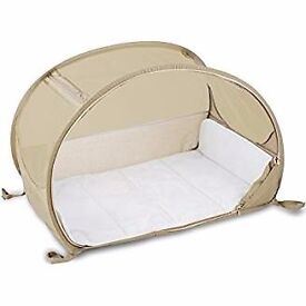 Fantastic travel baby cot complete with mosquito net