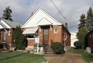 BRIGHT & SUNNY DETACH HOUSE 2+1 BEDROOMS WZ 2 WR IN TORONTO !!