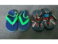 Boys flip flops size 8-9