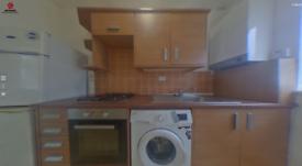 2 bedroom flat in Wellmeadow Road, London, SE6(Ref: 817)