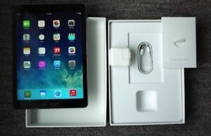 IPAD AIR 16GB 9.7 BLACK  OPEN BOX 10/10 Condition with Box & Acc