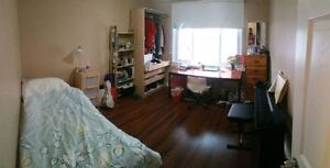 BEAUTIFUL STUDENT ROOMS AVAILABLE! Cambridge Kitchener Area image 7