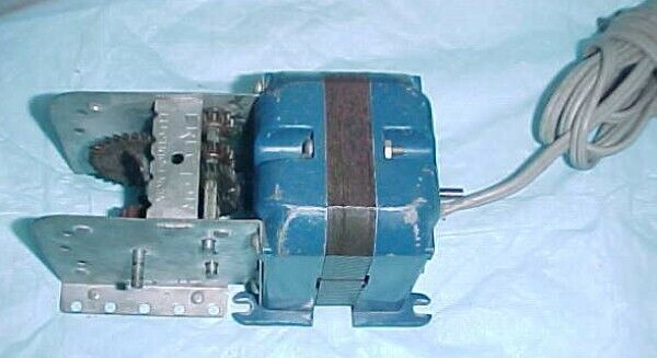 1958-1959 A C GILBERT ERECTOR SET PART A 49 ELECTRIC MOTOR ANNIVERSARY BLUE