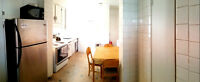 5 1/2  3 chambres. Semi-meublé. stationnement. bien situé