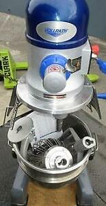 Vollrath 30 Qt. Commercial Planetary Floor Mixer with 3 Speeds - 1 hp - Like new condition
