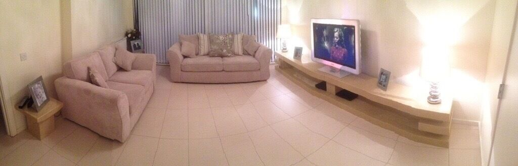 Cream Marble Tv Unit 2 X Cream Marble Lamp Tables In Clydebank