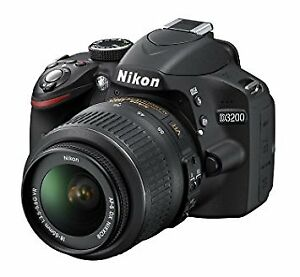 NIKON D3200 w/18-55mm Lens + Carrying Bag