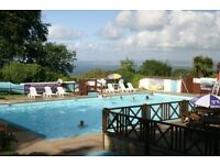 BARGAIN HOLIDAYS IN DEVON & CORNWALL - 2 POOLS - ENTERTAINMENT - BEACHES - BAR - DOGS WELCOME - SURF
