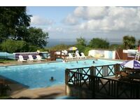 BEAUTIFUL NORTH DEVON & CORNWALL - BEACHES - 2 POOLS - SURFING -WALKS - CYCLING - DOGS WELCOME - BAR