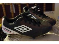 Umbro football shoes w/stoods