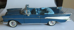 Danbury-Mint-1957-Chevy-Bel-Air-Blue-Convertible-Die-Cast-Model