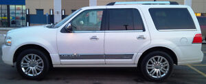 2011 Lincoln Navigator, only 65,000km, original owner