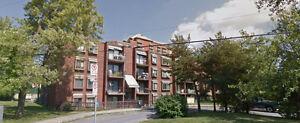 Recherche couple-concierge résident à Laval Chomedey