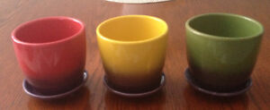 Set of 3 Plant Pots with Attached Drip Trays