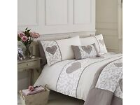 Botanical heart bedding. Double duvet cover, 2 pillowcases set + matching cushion.