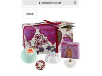 BOMB COSMETICS - Christmas present BRAND NEW. Ideal Gift. Candle and gift set