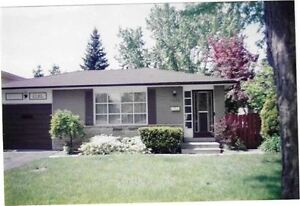 $500,000 + Perfect 1st-Time Oakville Homebuyer Property!