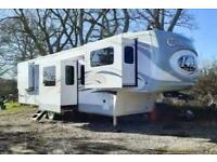 Columbus 389FL 1492 5th Wheel American Caravan 6 Slides Showmans Trailer Static